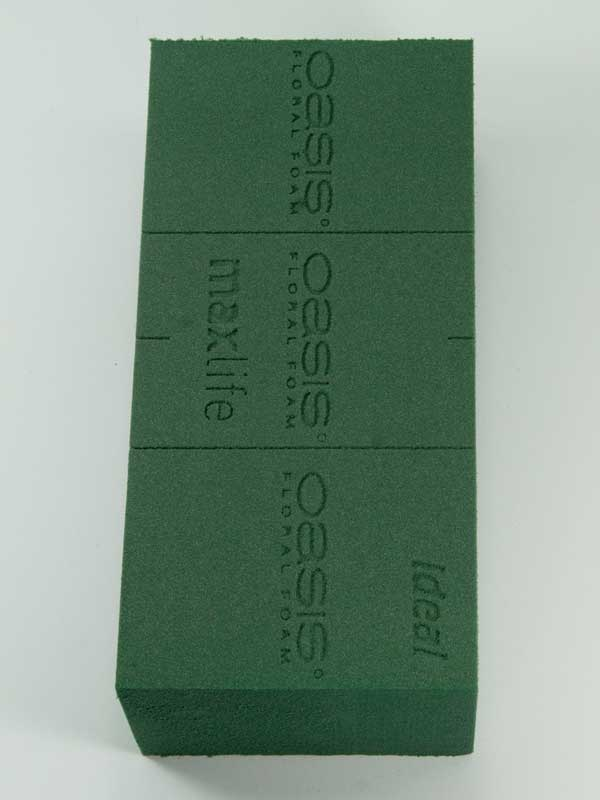 materiaal-voor-bloemschikken-oasis-blok-steekschuim