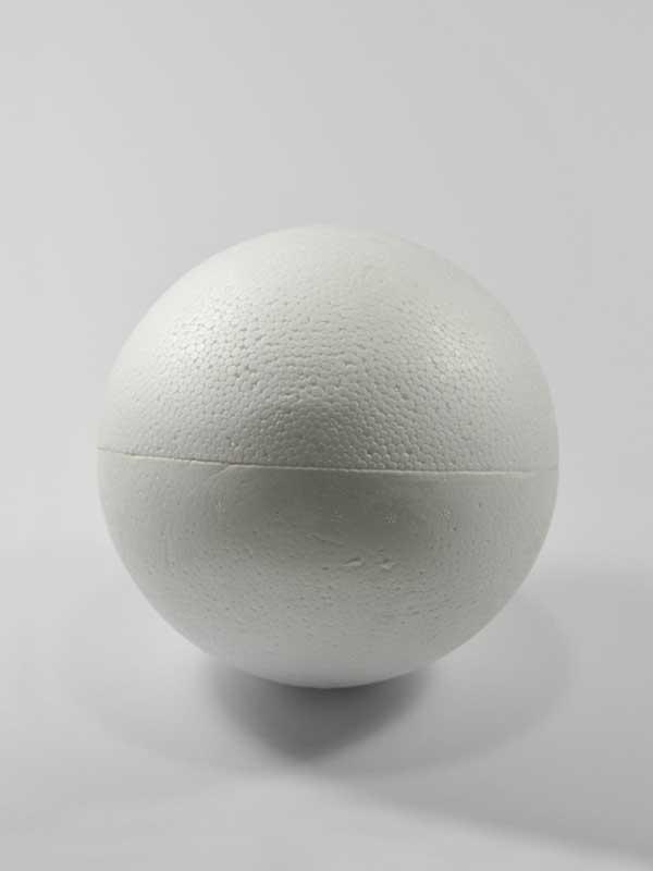 vormen van piepschuim een bol