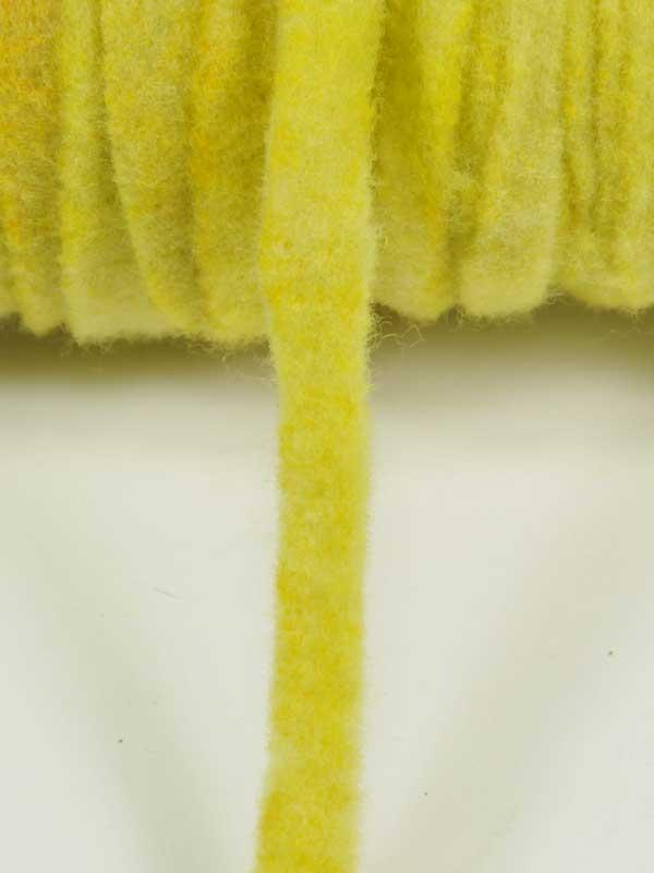 materiaal-voor-bloemschikken-geel-viltkoord