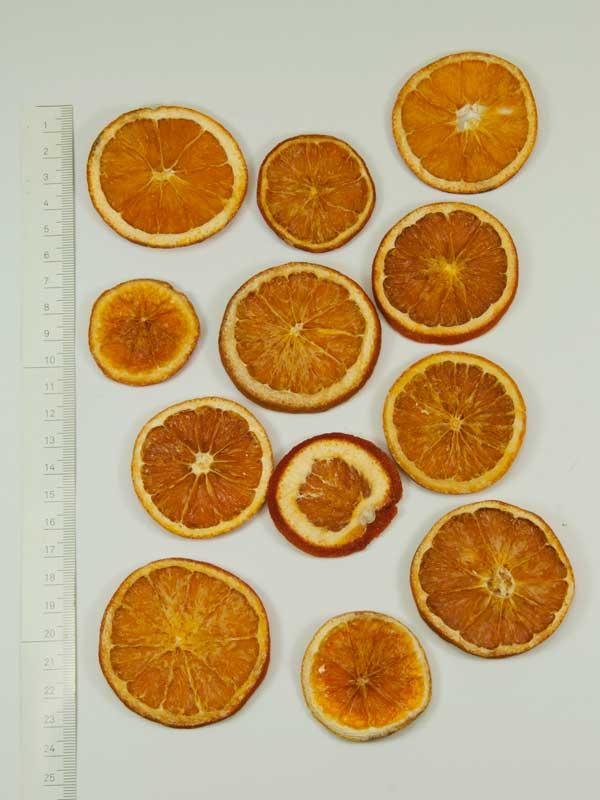 Sinaasappelschijven gedroogd en geprepareerd