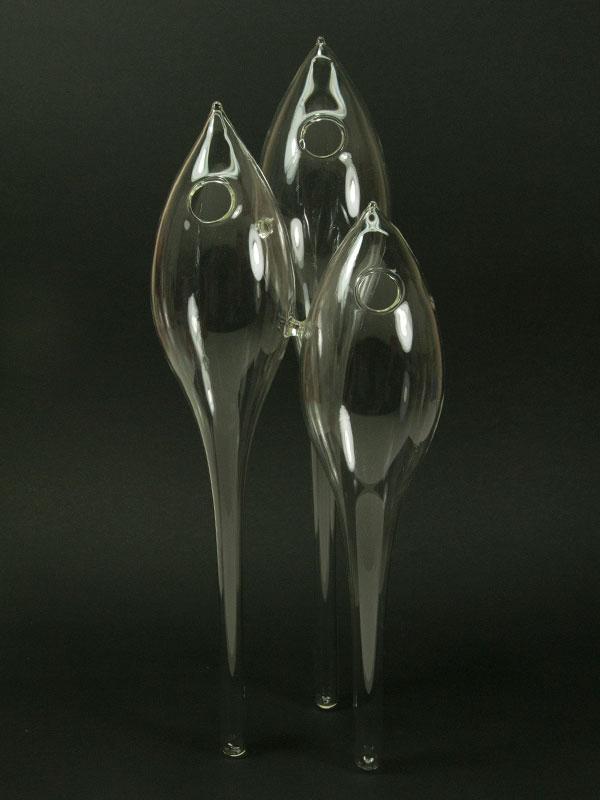 Decoratieve vaas bestaande uit drie verbonden druppels
