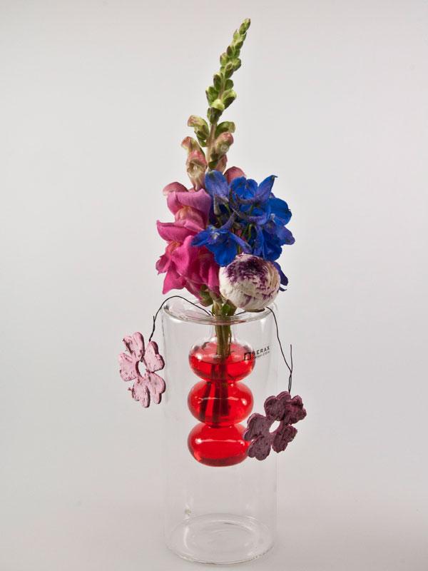 Serax vaas, opgemaakt door Renate Jenniskens