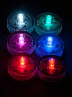 LED onderwaterlichtjes, van linksboven naar rechtsonder: wit, turquoise, roze, blauw, oranje, rood.