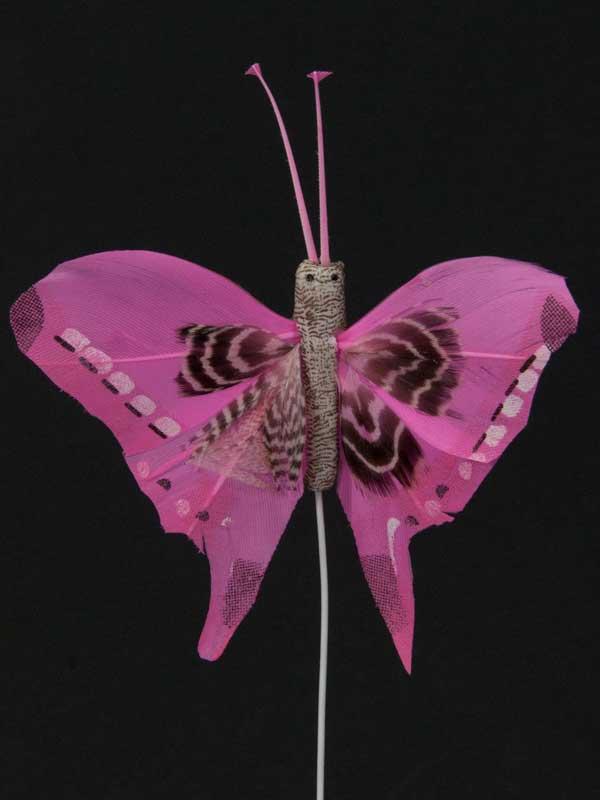 Vlinder op draad - 8 cm - licht-roze zwarte achtergrond