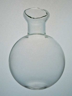 Glazen decovaasje ook bolvaasje genoemd