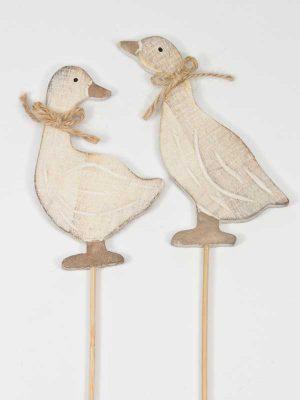 Setje houten ganzen op stok
