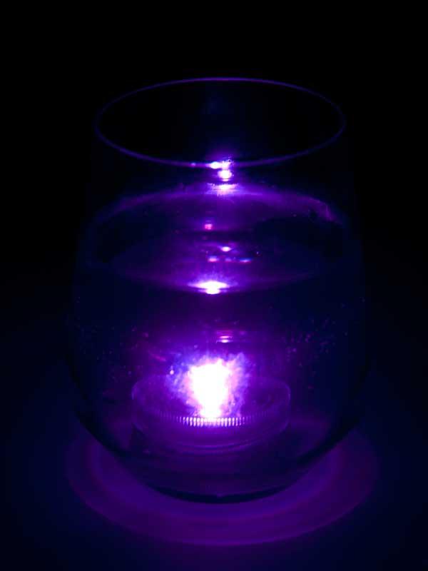 onderwater led paars in glas