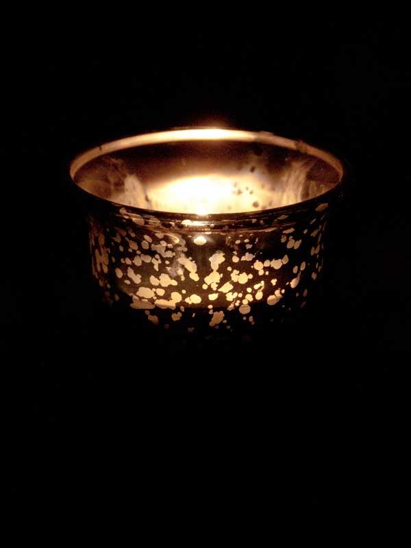 Theelichthouder glitter met brandend licht