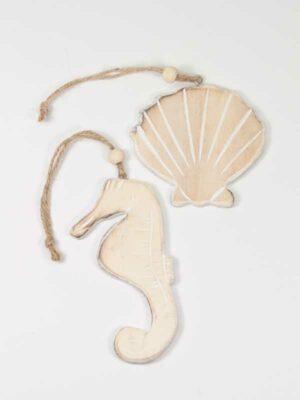 Zeepaardje en schelp als hangers met touwtje, maritiem set